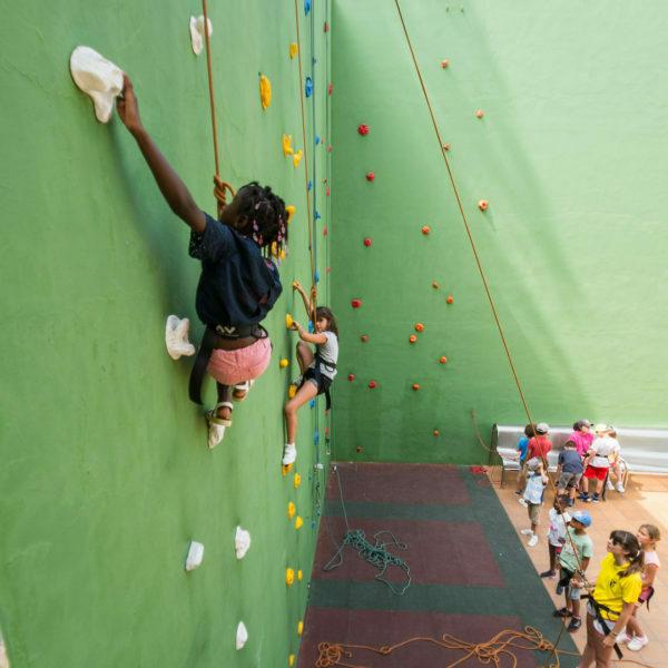 Climbing wall 518